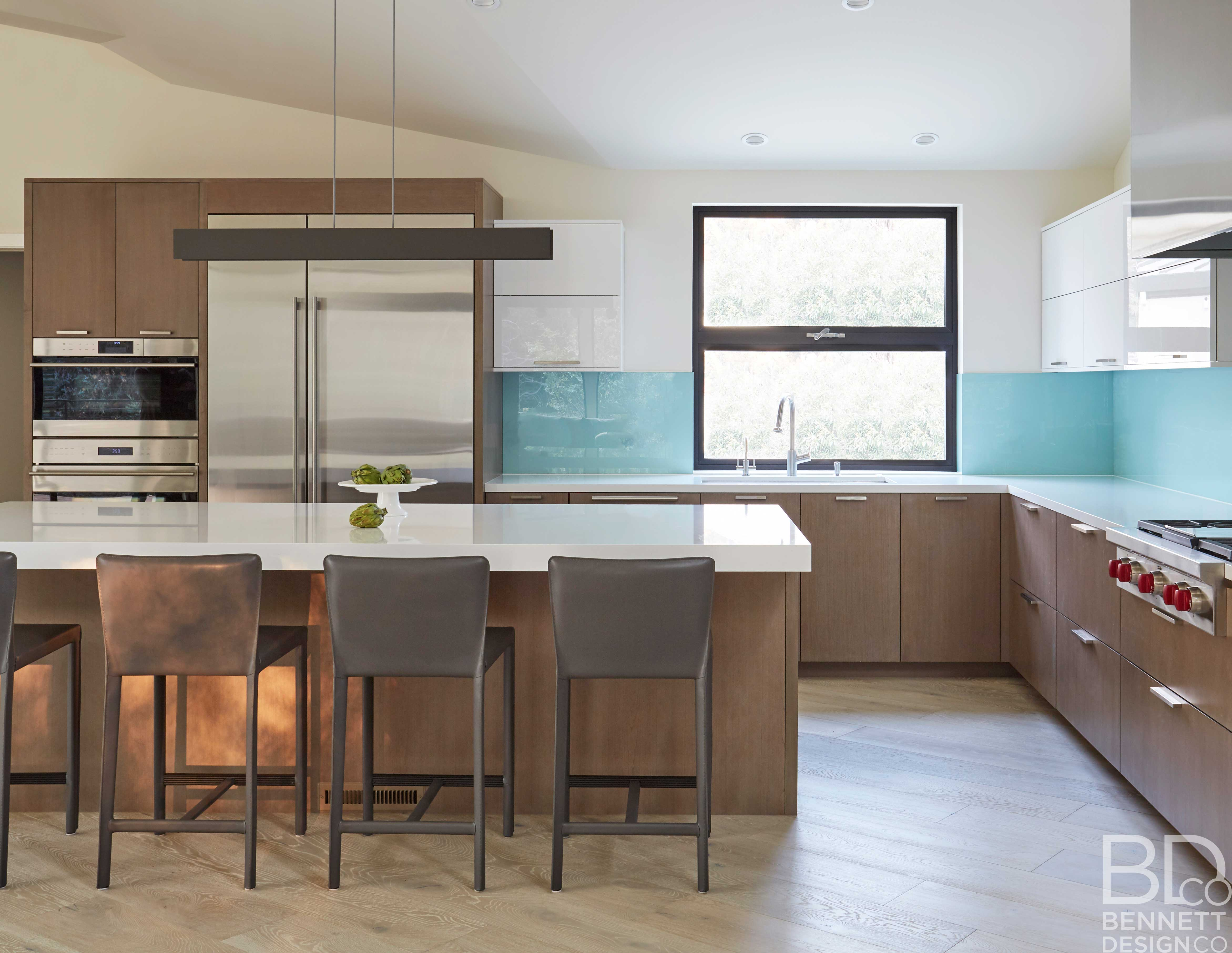 clean_and_contemporary_new_home_construction-9