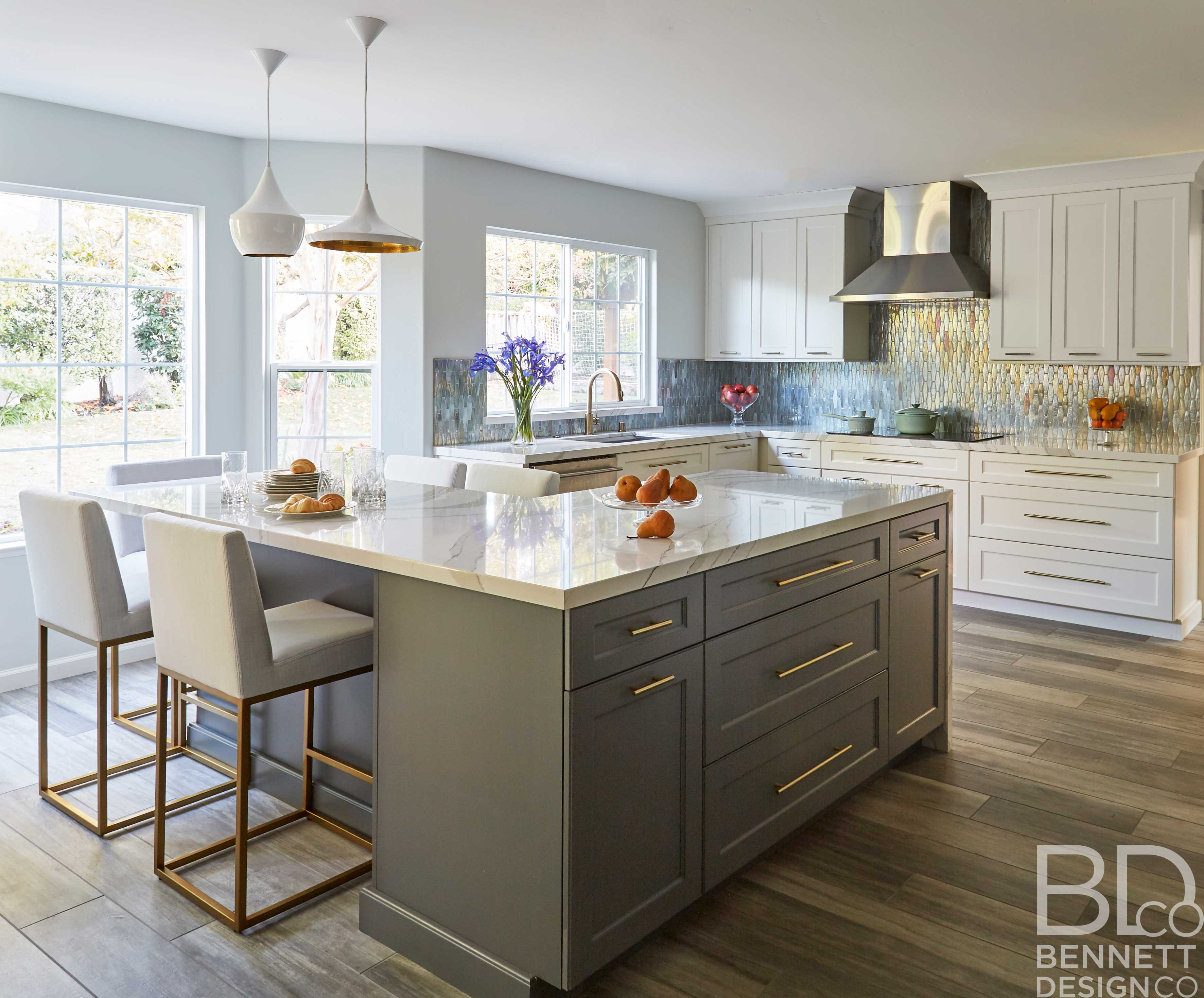 two-tone_transitional_kitchen_remodel-1-(4)