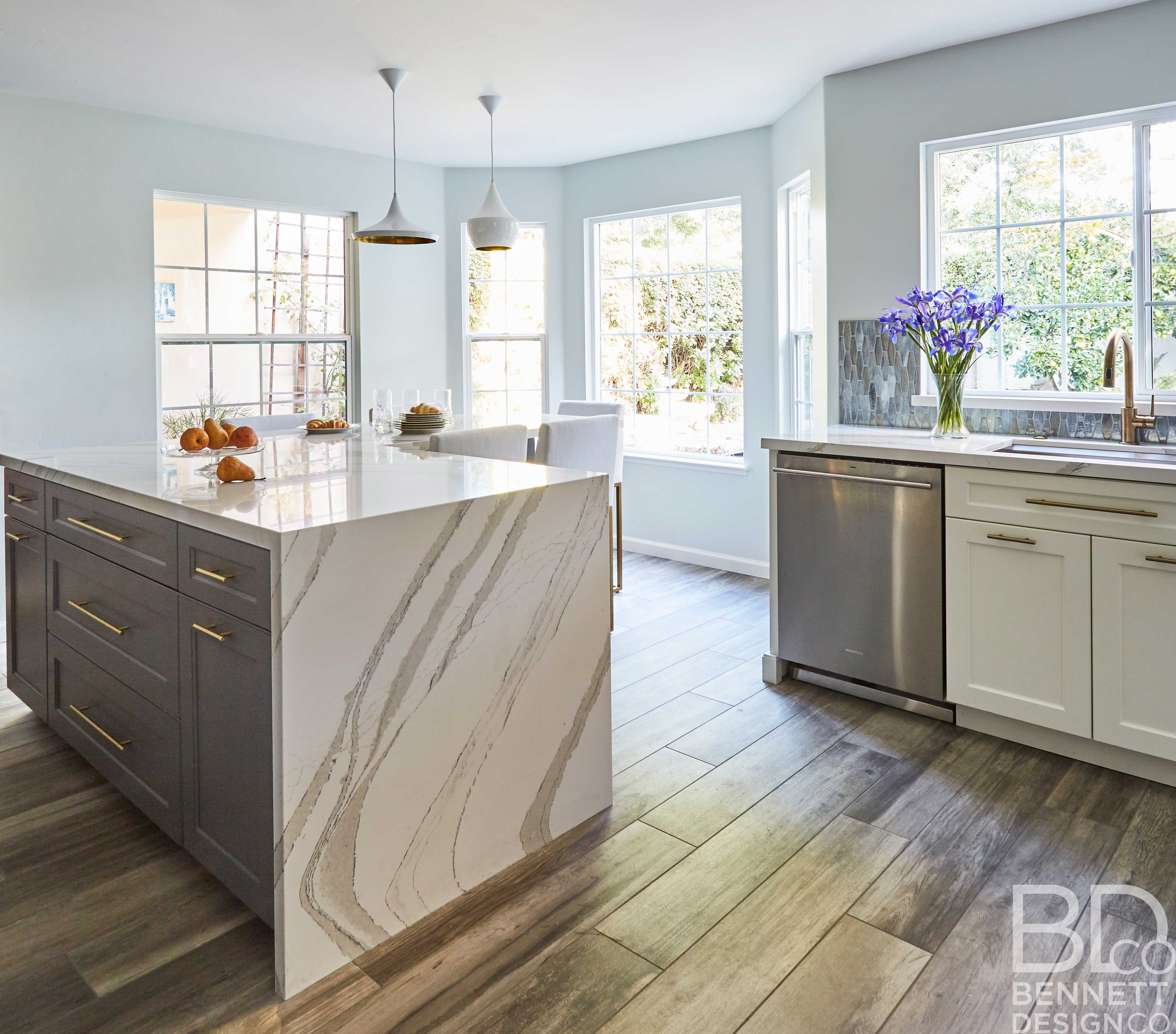 two-tone_transitional_kitchen_remodel-4-(5)
