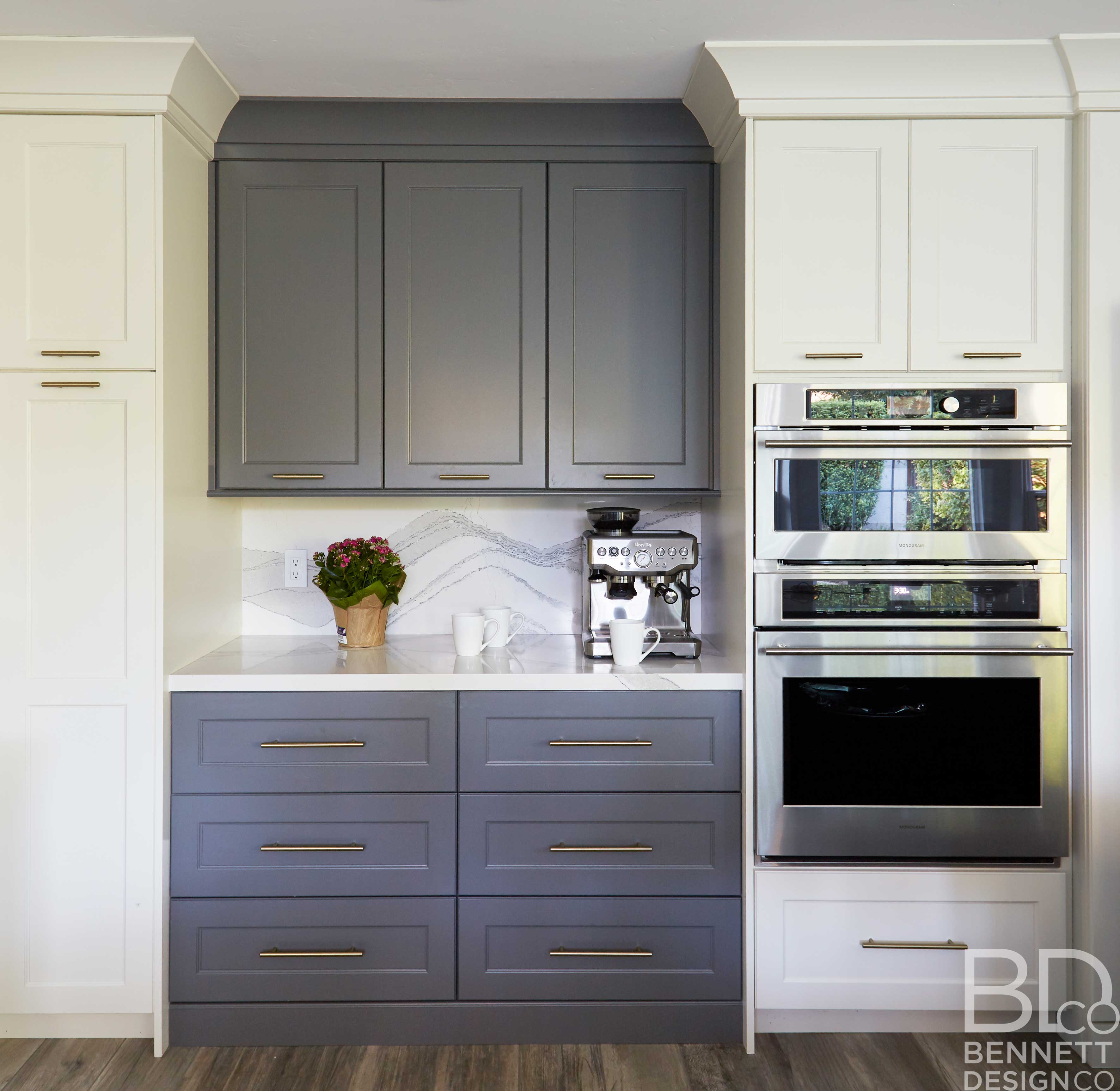 two-tone_transitional_kitchen_remodel-6-(1)