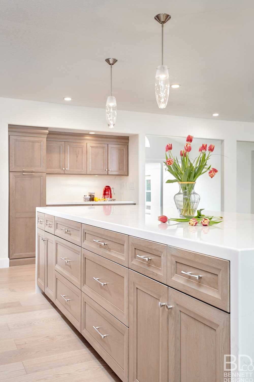 warm_transitional_kitchen_remodel-1