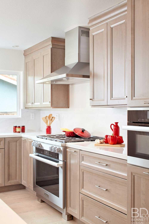 warm_transitional_kitchen_remodel-4